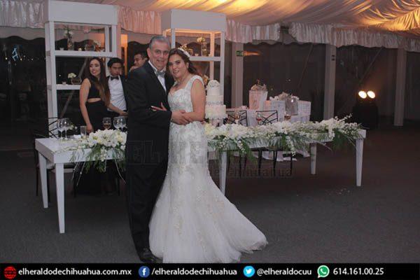 Irma Gutiérrez y Abel Baca celebraron bodas de plata
