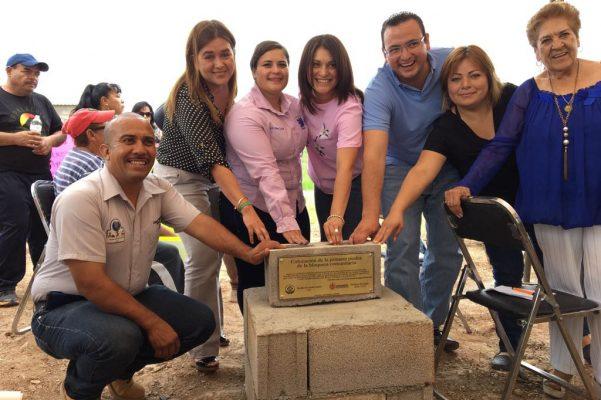 Colocan primera piedra de bloquera comunitaria en El Palmar