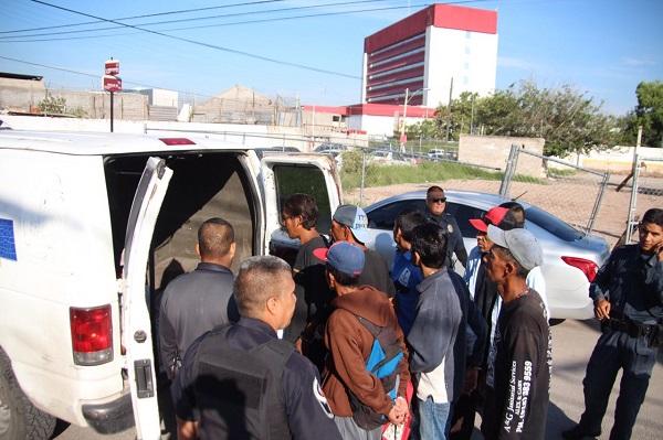 Detienen a 13 personas en el barrio Bajo; por intoxicarse en la vía pública