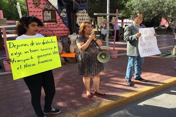 """Acusan a gobierno de pactar con """"pulpo camionero"""" vs ciudadanos"""