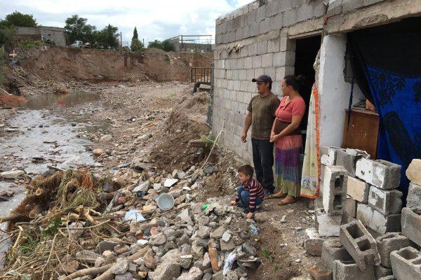 """Arroyo amenaza con """"devorar"""" su vivienda en la colonia CDP"""