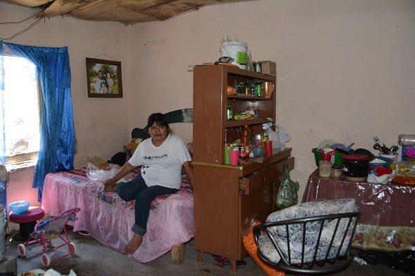 Familia Pacheco: Llueve hasta en el interior de la casa
