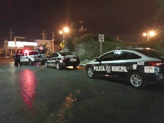Despojan hombres armados a mujer de su camioneta en la Fco Villa
