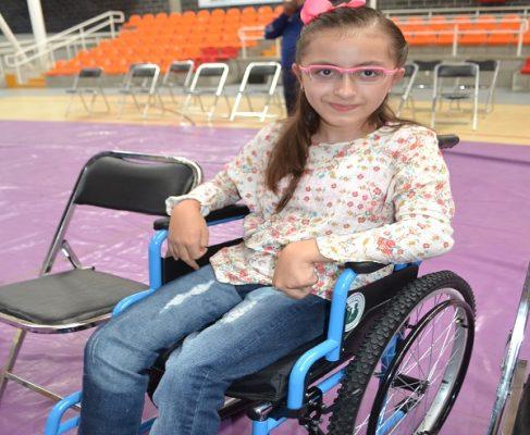 Donan 500 sillas de ruedas asociación mormona y Alcaldía