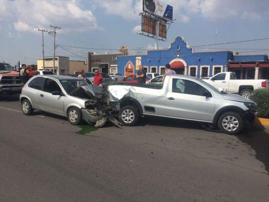 Carambola entre cuatro deja dos personas lesionadas en el Ortiz Mena
