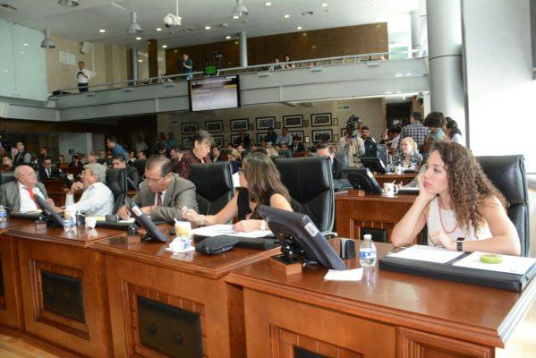 Discuten aprobación de reestructuración en el Congreso del estado