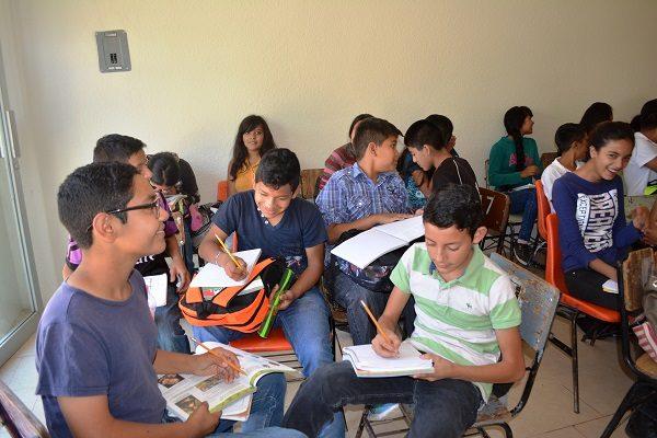 Ofrece telesecundaria mejor calidad de vida en Vistas San Guillermo
