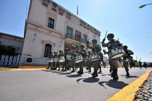 Ensayan ejército y fuerza aérea últimos toques para desfile de independencia