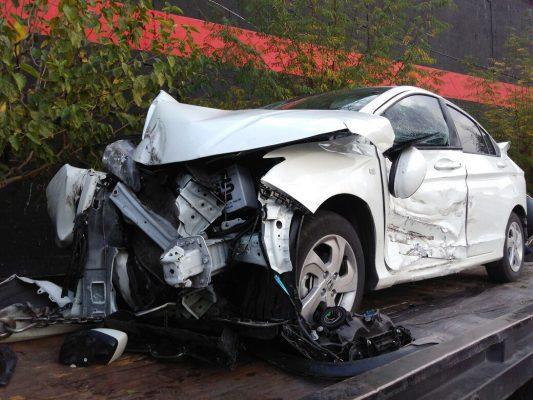 Conductor se queda sin frenos y ocasiona choque en la Pacheco