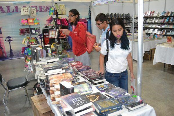 """Inicia """"Librotón: dona un libro, dona un mundo"""""""