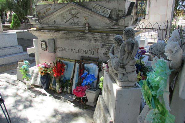 ¿Sabes cual es la tumba más visitada del panteón de Dolores?