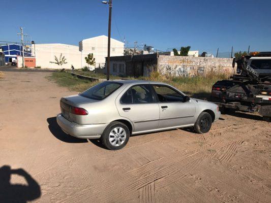 Agentes aseguran vehículo robado en la colonia Santa Rosa