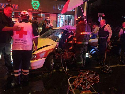 4 heridos de gravedad tras aparatoso accidente en la Flores Magón