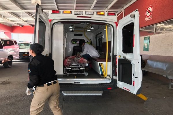 Llega baleado hombre al aeropuerto de la capital de Chihuahua