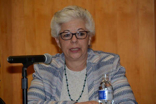 Desalienta a ciudadanos guerra sucia de partidos: doctora Marván