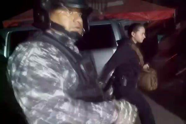 Liberan con antimotines camiones de minera; participaron más de 100 agentes