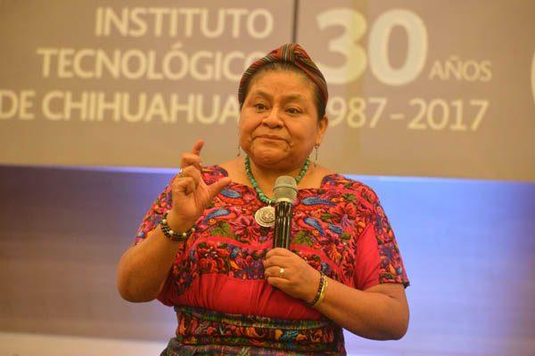 """""""Daña a institutos políticos el traspaso de un partido a otro"""": Rigoberta Menchú"""