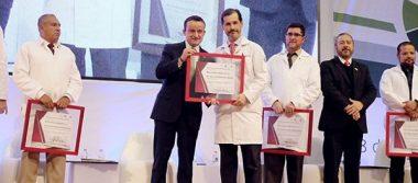 Reconocen a médicos del IMSS por su valor y heroísmo en los sismos