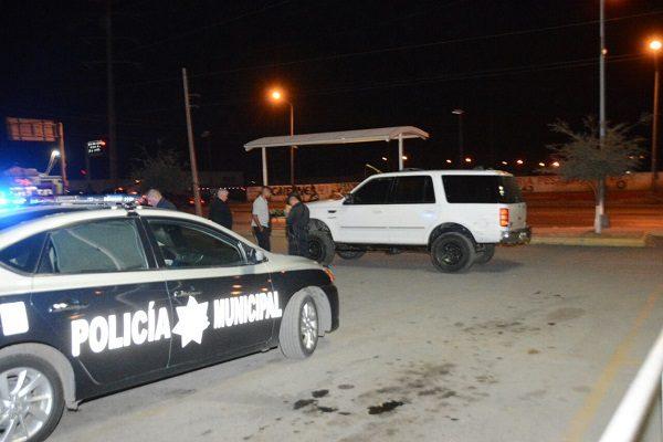 Policía franco a punto de ser asesinado tras altercado con pistoleros