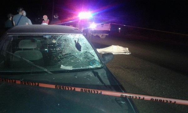 Muere hombre al ser atropellado por automóvil a toda velocidad