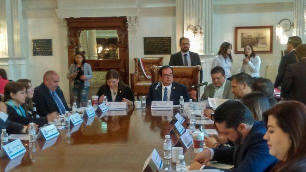 Ausente Maru Campos de sesión de Cabildo; ocupa su lugar regidor