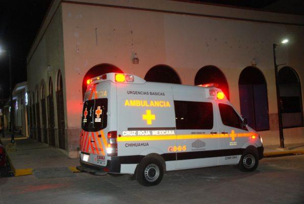Hombre resulta herido tras caer de un andamio en un local de plaza cumbres