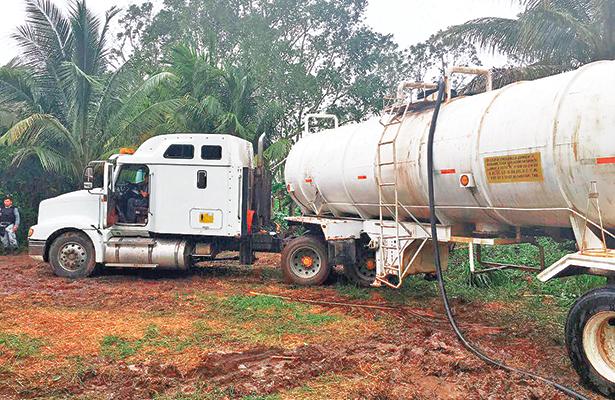 Aseguran en Tabasco 17 mil litros de hidrocarburo
