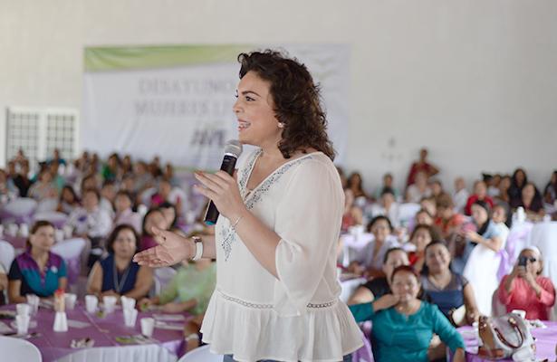 Propone Ivonne Ortega recortarle los recursos a los partidos políticos