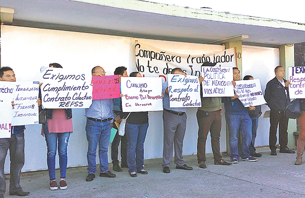 Despiden a 600 trabajadores del Seguro Popular