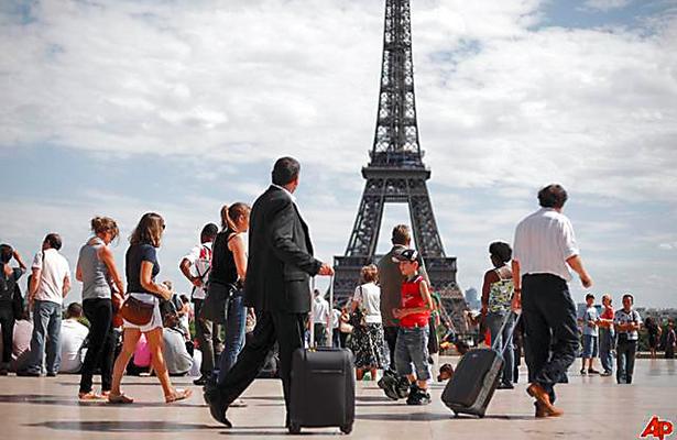 Cayó turismo en Francia  por actos terroristas