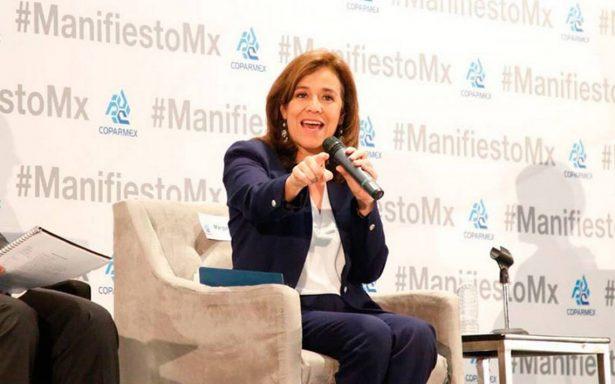 Margarita Zavala llama a empresarios comprometerse con la política
