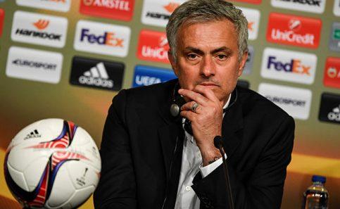 Cambiaríamos la copa por vida de víctimas en Manchester: Mourinho