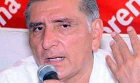 Acusa Adán Augusto presunta corrupción de licitaciones en SS