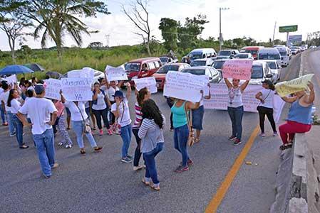 Bloquean la Villahermosa-Nacajuca