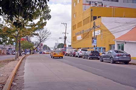 Termina obra de ampliación vial como estacionamiento