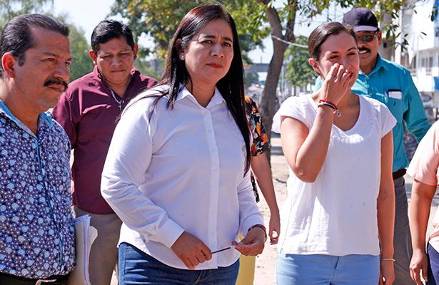 Garantiza Casilda Ruiz suministro de agua con pipas en comunidades