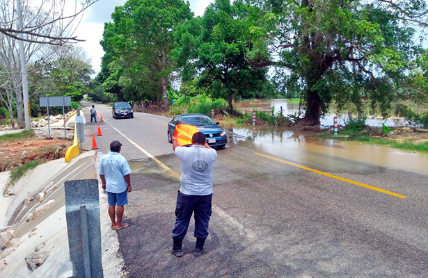Vado en carretera Villahermosa-Teapa