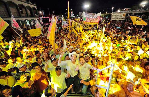 Cierra campaña Sabino Herrera en Huimanguillo
