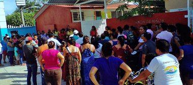 Abren Jardín de Niños, pero no aceptan a la nueva directora