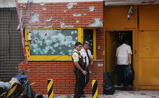 Multimillonario robo en Paraguay: 50 pistoleros asaltan empresa de valores