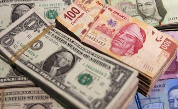 Dólar promedia en 17.82 pesos a la venta en terminal del Aeropuerto de la CDMX
