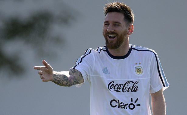Messi y la selección Argentina reciben hoy a Chile