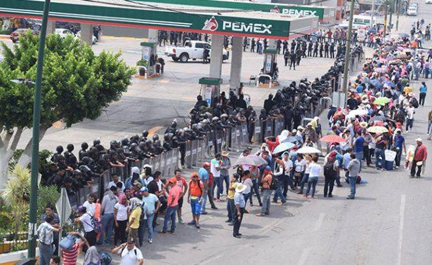 Anuncian maestros toma de gasolineras en zonas de Chiapas