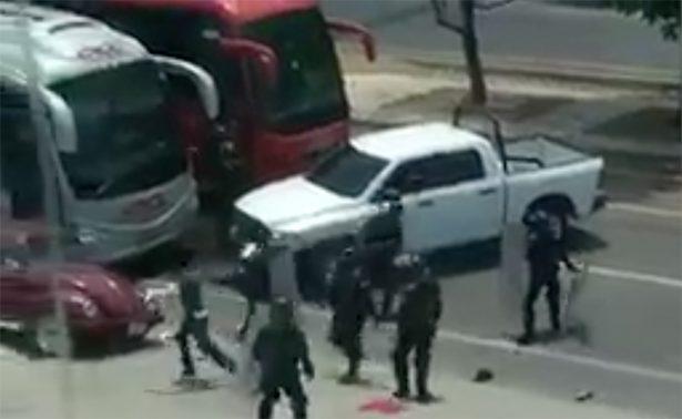 Liberan a 236 normalistas acusados de vandalismo