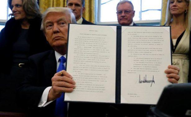 Trece estados de EU piden que corte avale veto migratorio de Trump