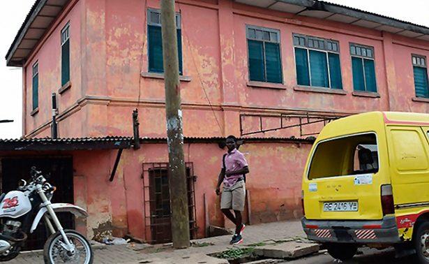 """Desarticulan embajada """"pirata"""" de EU en Ghana"""
