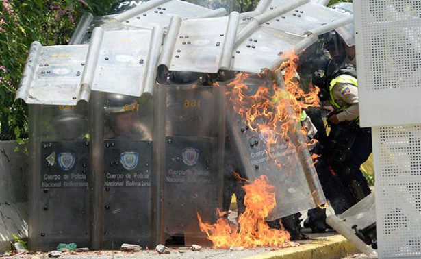 Crece violencia en Venezuela, 37 muertos relacionados con protestas