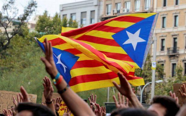 Huelga general paraliza Cataluña; miles se manifiestan contra violencia policial