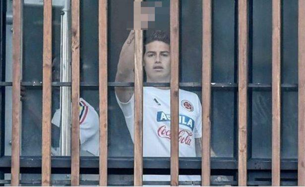 James Rodriguez le pinta dedo a la prensa colombiana