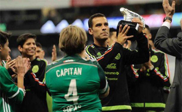 Rinden merecido homenaje al eterno capitán Rafa Márquez